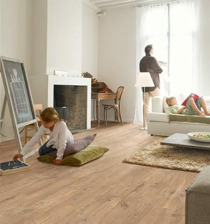Quickstep Eligna Oak Plank Saw Cuts Natural UW1548 Laminate Flooring